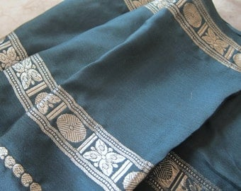vintage silk sari, gold weaving, FOREST green silk, Indian Saree , Bollywood, hippie clothes, exotic fabric