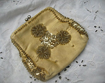 Vintage silk beaded coin/change purse, made in Japan, shabby and sweet coin purse, Japan coin purse, silk coin purse beaded silk purse