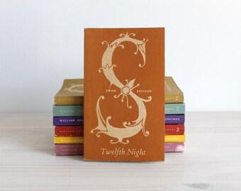 Twelfth Night Shakespeare Swan edition vintage book
