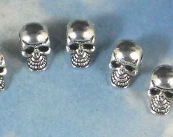 12 Small Skull Beads 8mm Silver Tone 3D 2mm SIDE Hole Pewter (P1255)