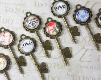 NEW 10 Domed Skeleton XL Keys Bronze Heart Pendants 72mm - Wedding Escort Seating Cards (P1474 -10)