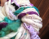 "7.5 oz Art Yarn 69 yds Handspun Ooak super bulky creamy white w slubs. ""the seashell you kept a thousand years"""