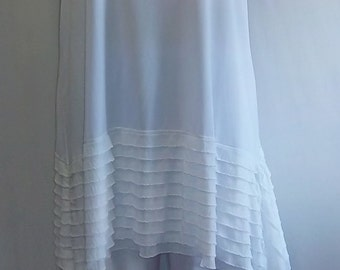 Coco and Juan Lagenlook Plus Size White with Ruffle Asymmetric Tank Top Size 1 Fits 1X,2X Bust  to 51 inches