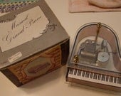 Vintage Musical Grand Piano plays What a beautiful morning - With box