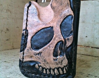 Card Wallet with tooled Skull