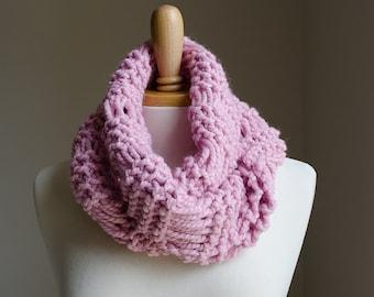 Knit Scarf, Chunky Knit Scarf, Knit Infinity Scarf, Knit Cowl Scarf, Pink Scarf, Chunky Scarf, Loop Scarf, Pink Knit Scarf, Scarf Knit