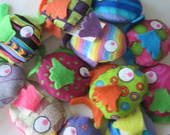 12 Cat Toy - FREE SHIPPING - Fish Cat Toy Filled with Organic Catnip