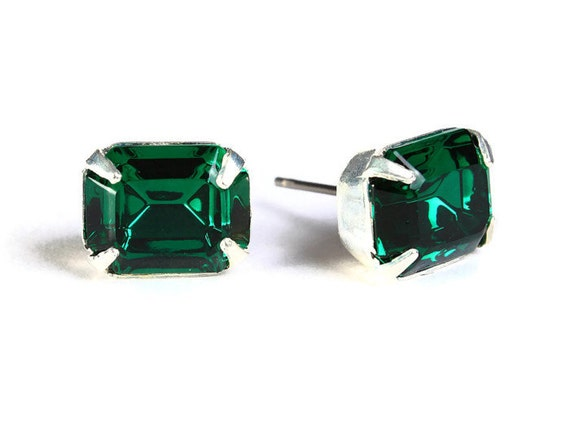 Estate style green emerald rhinestone crystal stud earrings (598) - Flat rate shipping