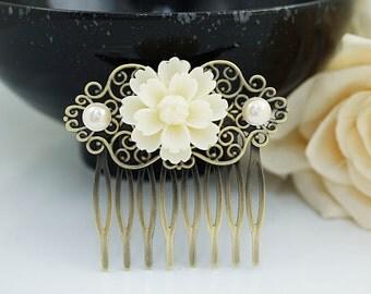 Wedding hair accessories Bridesmaids Gift Wedding Hair Comb Vintage Style White Sakura Flower Bridal Hair Comb Bridal Hair accessories