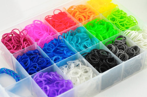 Rainbow loom bands 3000 bands and plastic case 90 c clips