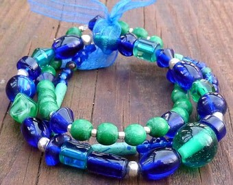Cobalt Blue Stretch Bracelet Trio - Cobalt Blue Glass Beads, Malachite Beads, Cobalt Blue Bow
