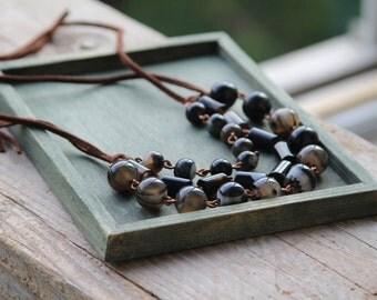 Boho Multi Strand Gemstone Agat Link Necklace Black and White.