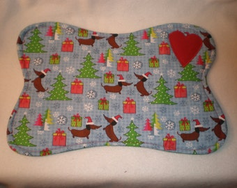 Small Quilted Dog Dish Placemat Dachshund Dog Doxies Weiner Dogs at Christmas A
