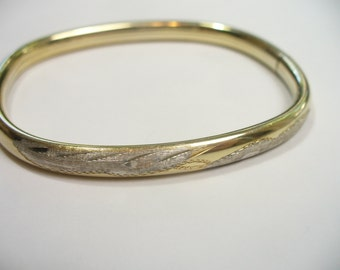 Vintage etched gold washed sterling silver hinged bangle bracelet - Italy- 7 inches
