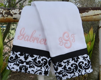 Burp cloth set//personalized burp cloth set //baby shower gift//girl baby gift