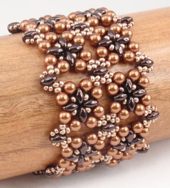 Square Charm Bracelet: Beading Tutorial For Square Deal Bracelet Jewelry Pattern