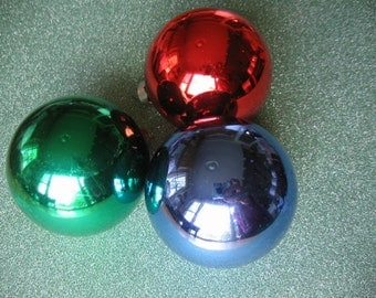 """Three Vintage Glass Christmas Ornaments 1950's, Caps say """"Rausch"""""""
