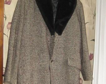 50s mens wool flecked    tweed carcoat faux fur black collar     size 40  by Van Heusen