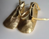 baby ballet shoes in gold metallic