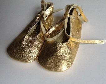 baby ballet shoes in gold metallic