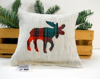 Plaid Moose Balsam Fir Sachet in Linen - Maine Balsam Fir Sachet - Balsam Fir Pillow - Moose in Red and Green Plaid