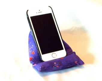 Smart Phone and iPod Pillow Stand in Laurel Burch Hearts and Stars