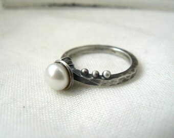 Oxidized Sterling silver and white pearl Ring - Ooak modern industrial black look women Made to order