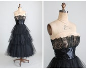 Vintage 1950s Dress : 50s Black Tulle and Lace Strapless Prom Dress