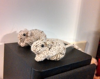 Knitted Gerbil 15 (Beige with black specks)