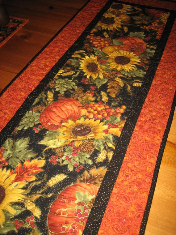 Table Runner, Large Sunflowers and Pumpkins