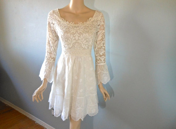 Bohemian Wedding Dress Embroidered Organza Lace Short Boho