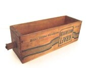 Vintage Wooden Kraft White American Cheese Box with Knob Handle