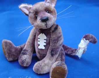 Alley Cat complete sewing kit for a miniature cat