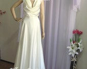 Venus- Ultra Elegant and Sexy Wedding Dress. Vintage Inspired Style.