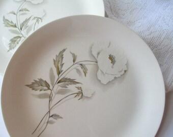 Vintage Universal Alaskan Poppy Alf Robson Floral Dinner Plates Set of Four