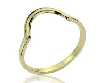 Delicate Curved Gold Aphrodite Ring,  Gold Wedding Band, Women's Wedding Band
