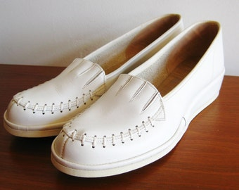 Vintage 40s Snow White Leather Round Toe Whip Stitch Shoes Wedges Wedgies size 7 - 7.5