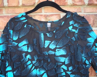 Black with Turquoise Blue Pullover Top  Size XL