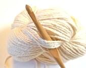 "Trai Crochet Hook, size I (5.50 mm) --- one 6"" hook, sustainably made"