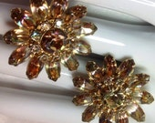 Vintage CONTINENTAL Earrings Light Topaz Sparkly Daisy Extreme Bling Clip Ons Goldtone