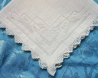 Embroidered Wedding Handkerchief, Vintage Embroidery, Wedding Hanky/Hankie, Something Old, Handmade Open Work/White Lace/Delicate Handiwork