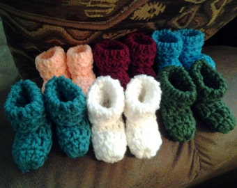 Crochet baby booties (newborn)
