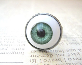 Green EyeBall Ring, Halloween Jewelry, Halloween Ring,Eye Ball Jewelry, Creepy Jewelry, Scary Ring, Halloween Gift, Trick or Treat