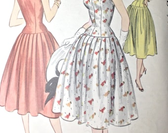 1950s Bombshell Dress . Vintage 50s Fitted Drop Waist Full Skirt Dress . McCalls Pattern 3189 . Bust 32 Size Extra Small