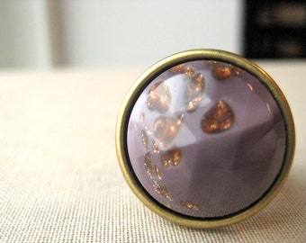 Vintage plum purple faceted cocktail ring with goldstone