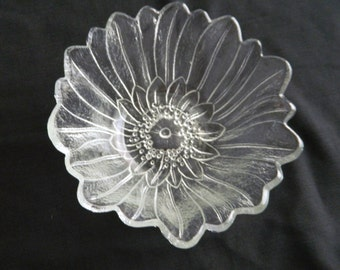 Vintage Indiana Glass Lily Pons Clear / Crystal Deep Nappy Bowl