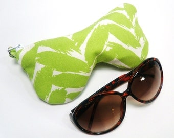 Beach Curves Eye Glass Case, Eyeglasses Case, Sunglasses Pouch - Lime Green Leaf