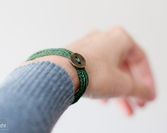 Coiled Crochet  Bracelet. Textile jewelry · dark green · Simple, beautiful and lightweight . Friendship bracelet. Bohemian style