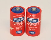 VINTAGE, Size C RED EVEREADY Batteries