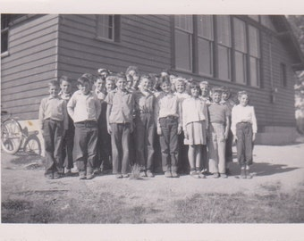 Vintage Photo - Group of Children - Vintage Photograph, Vernacular, Found Photo  (FF)